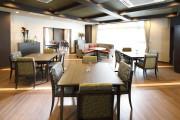 グランダ雪ヶ谷(介護付有料老人ホーム(一般型特定施設入居者生活介護))の画像(3)5Fダイニングルーム