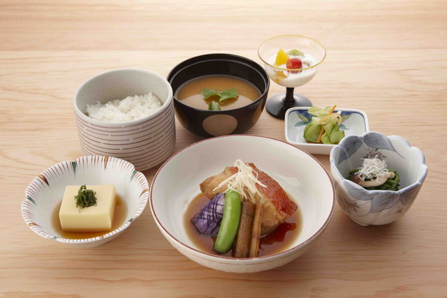 アリスタージュ経堂(介護付有料老人ホーム)の画像(2)お食事