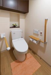 SOMPOケア ラヴィーレ千葉椿森(介護付有料老人ホーム)の画像(13)居室トイレ