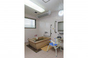 メディカル・リハビリホームボンセジュール千葉(介護付有料老人ホーム(一般型特定施設入居者生活介護))の画像(8)浴室