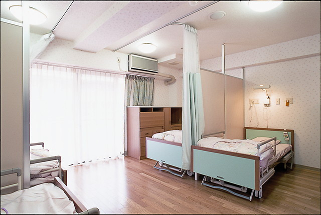 サンビレッジ国立(介護付有料老人ホーム)の画像(5)4人部屋