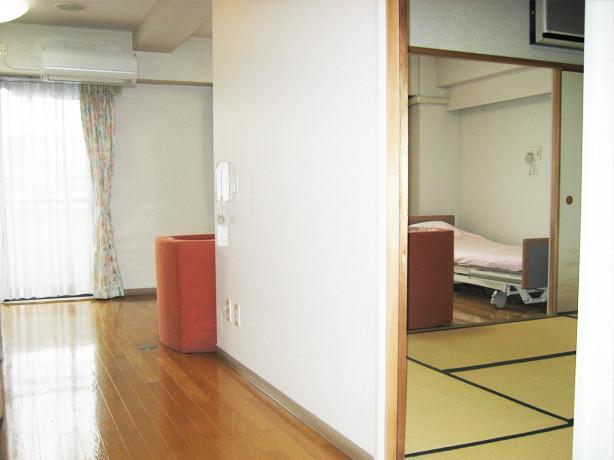 サンビレッジ国立(介護付有料老人ホーム)の画像(20)広いタイプの居室2