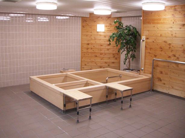 サンビレッジ国立(介護付有料老人ホーム)の画像(23)檜風呂