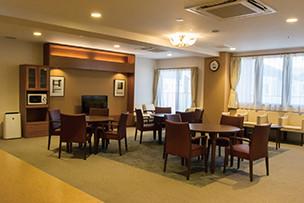イリーゼ立川(介護付有料老人ホーム(一般型特定施設入居者生活介護))の画像(5)食堂