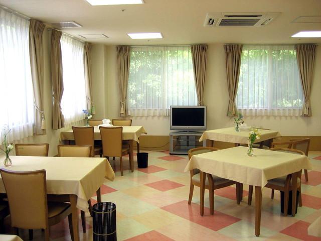 介護付有料老人ホーム ラ・ナシカたかしな(介護付有料老人ホーム)の画像(4)食堂