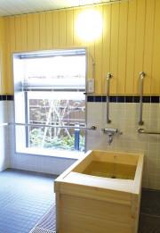 SOMPOケア ラヴィーレ国立矢川(介護付有料老人ホーム)の画像(5)檜風呂