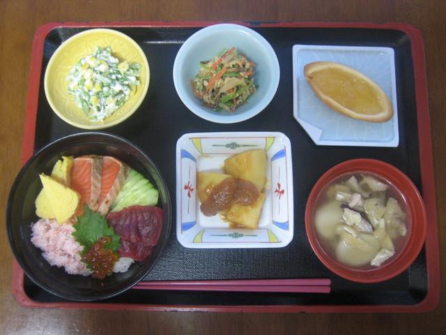 ベストライフ高幡(介護付有料老人ホーム)の画像(5)お食事
