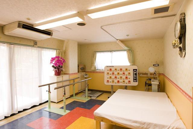 シルバービレッジ八王子西(介護付有料老人ホーム)の画像(8)機能訓練室