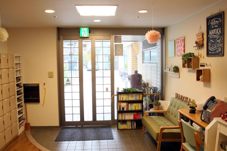 まどか南行徳(介護付有料老人ホーム(一般型特定施設入居者生活介護))の画像(4)玄関