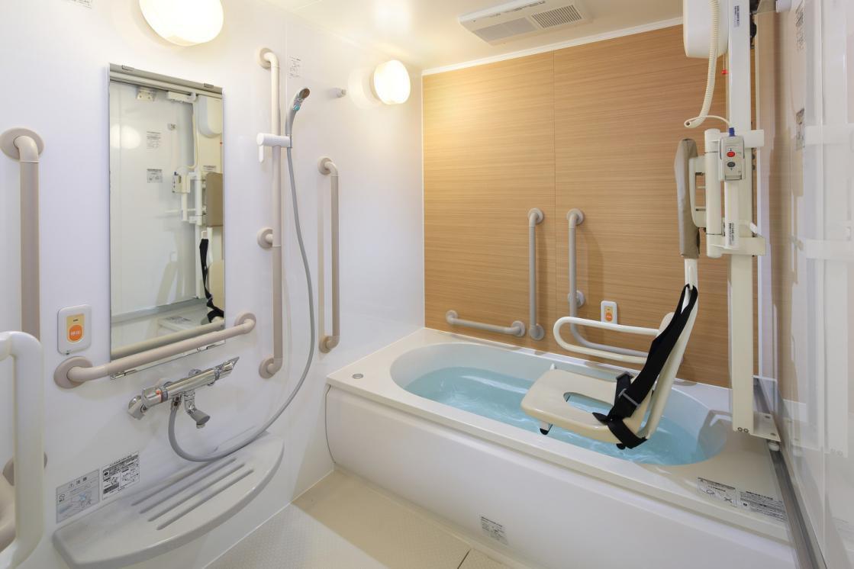 まどか深大寺(介護付有料老人ホーム(介護専用型/一般型特定入居者生活介護))の画像(6)2F 浴室