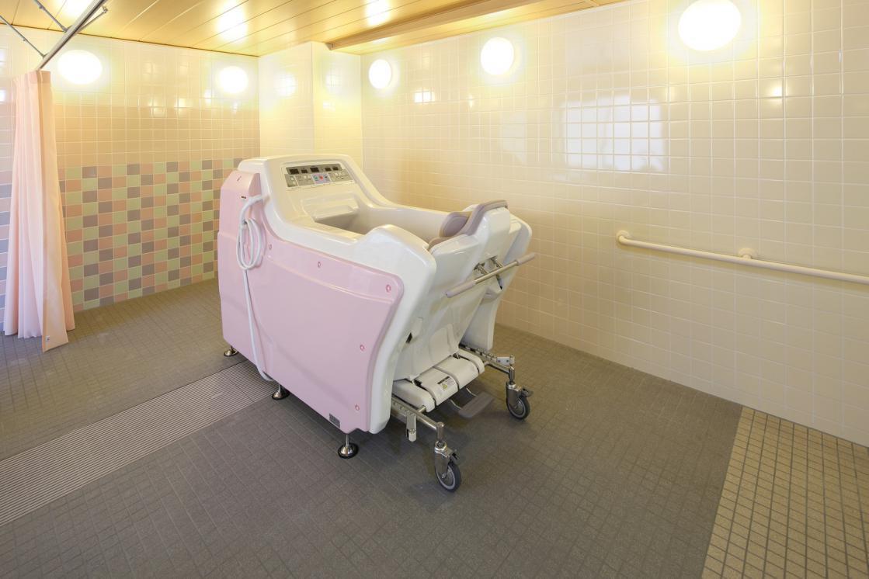 まどか深大寺(介護付有料老人ホーム(介護専用型/一般型特定入居者生活介護))の画像(7)1F 浴室