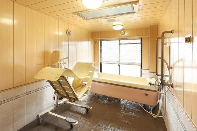 メディカル・リハビリホームボンセジュール白糸台(介護付有料老人ホーム(一般型特定施設入居者生活介護))の画像(9)1F 浴室