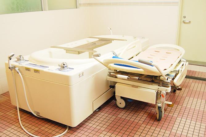 フローレンスケア聖蹟桜ヶ丘(介護付有料老人ホーム)の画像(12)寝台浴