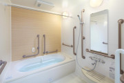 まどか府中(介護付有料老人ホーム(介護専用型/一般型特定入居者生活介護))の画像(7)2F 浴室