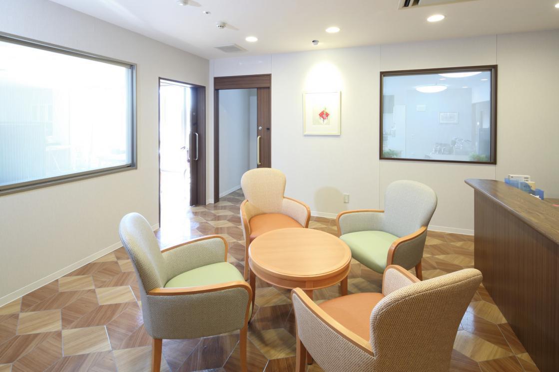 メディカル・リハビリホームくらら千歳船橋(介護付有料老人ホーム(一般型特定施設入居者生活介護))の画像(3)3F 談話スペース
