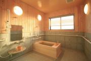 リハビリホームグランダ玉川学園(介護付有料老人ホーム(一般型特定施設入居者生活介護))の画像(8)1F 浴室