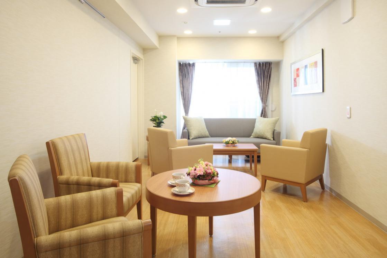 ボンセジュール経堂(介護付有料老人ホーム(一般型特定施設入居者生活介護))の画像(7)4F 談話スペース