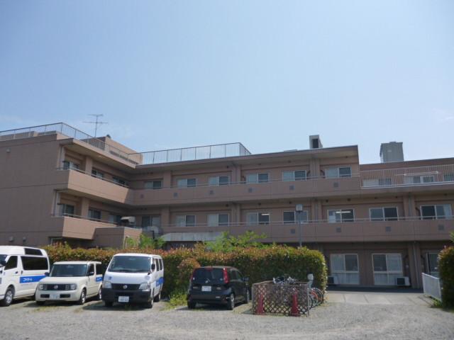 ニチイホーム稲城(介護付有料老人ホーム)の画像(4)駐車場