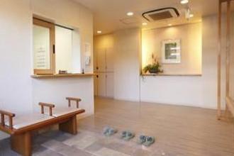 まどか秋津(介護付有料老人ホーム(一般型特定施設入居者生活介護))の画像(3)エントランス