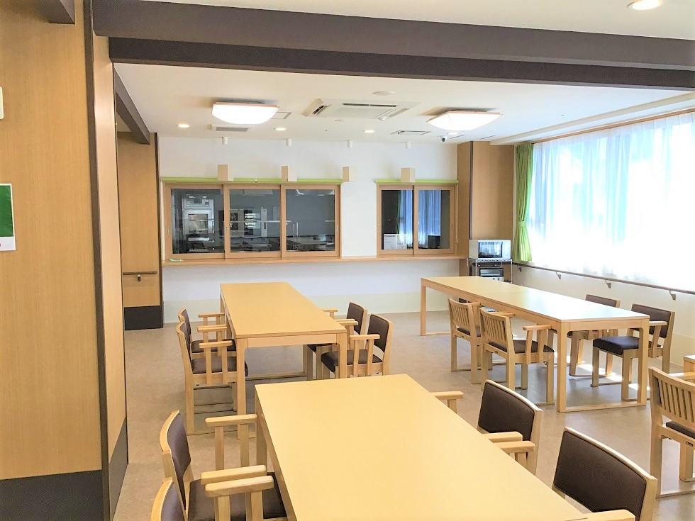 ココファン川越大手町(サービス付き高齢者向け住宅)の画像(18)食堂・リビング