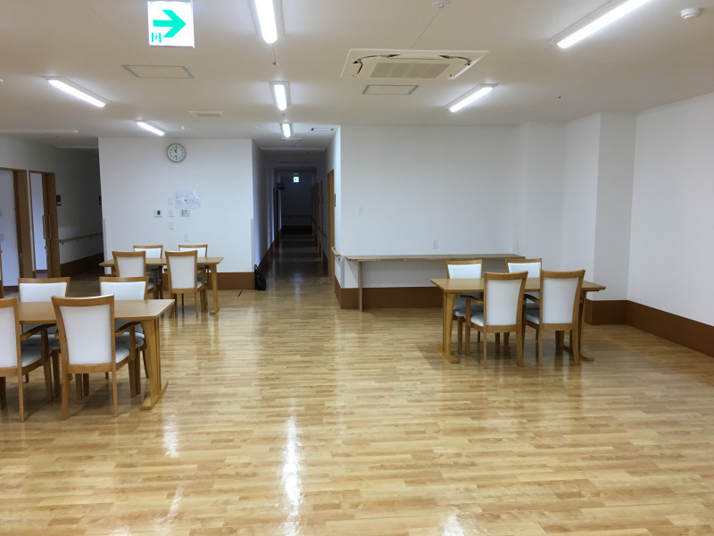 コンフォータブル・プラス 蓮沼(その他高齢者向け住宅)の画像(8)食堂②