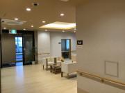 ライブラリ越谷(サービス付き高齢者向け住宅(一般型特定施設入居者生活介護))の画像(5)エントランス
