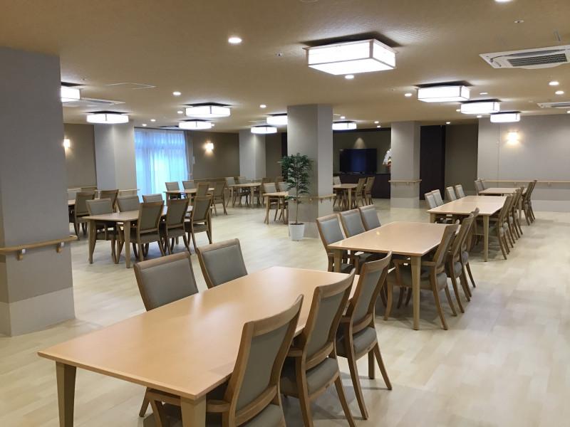 ライブラリ越谷(サービス付き高齢者向け住宅(一般型特定施設入居者生活介護))の画像(3)食堂