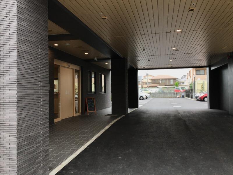 ライブラリ越谷(サービス付き高齢者向け住宅(一般型特定施設入居者生活介護))の画像(2)入口