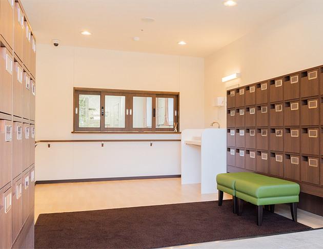 リアンレーヴ入間中央(介護付有料老人ホーム(一般型特定施設入居者生活介護))の画像(3)エントランス