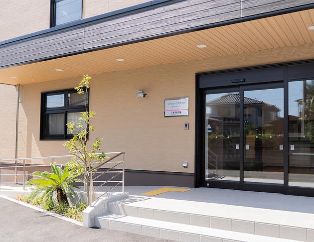 リアンレーヴ入間中央(介護付有料老人ホーム(一般型特定施設入居者生活介護))の画像(2)入口