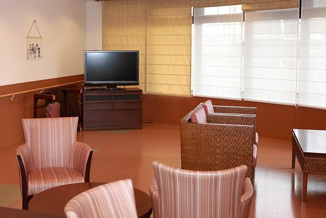 西東京ケアコミュニティそよ風(サービス付き高齢者向け住宅(一般型特定施設入居者生活介護))の画像(4)リビングルーム