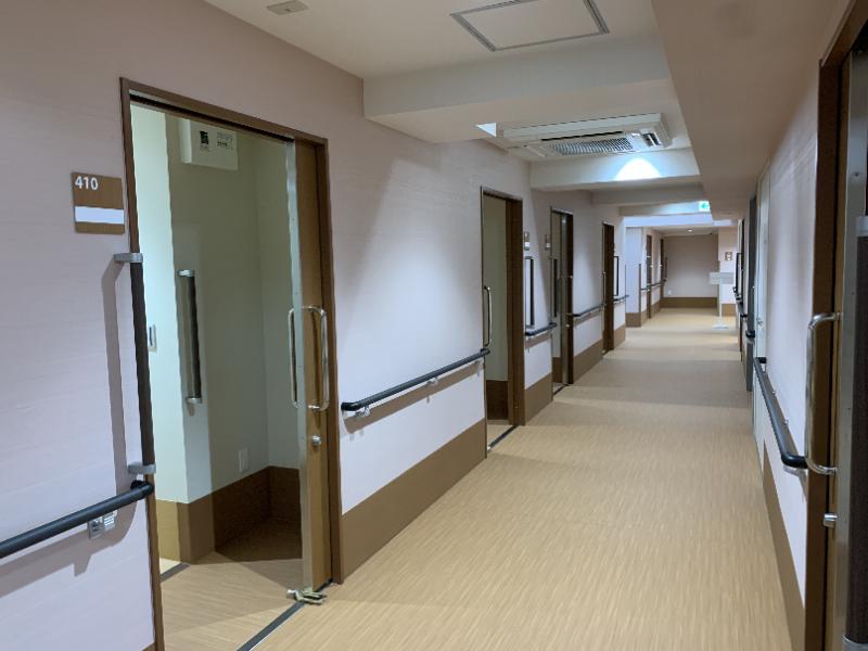 ガーデンコート朝霞(住宅型有料老人ホーム)の画像(22)廊下