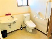 ヴィベル羽生(住宅型有料老人ホーム)の画像(14)共用トイレ