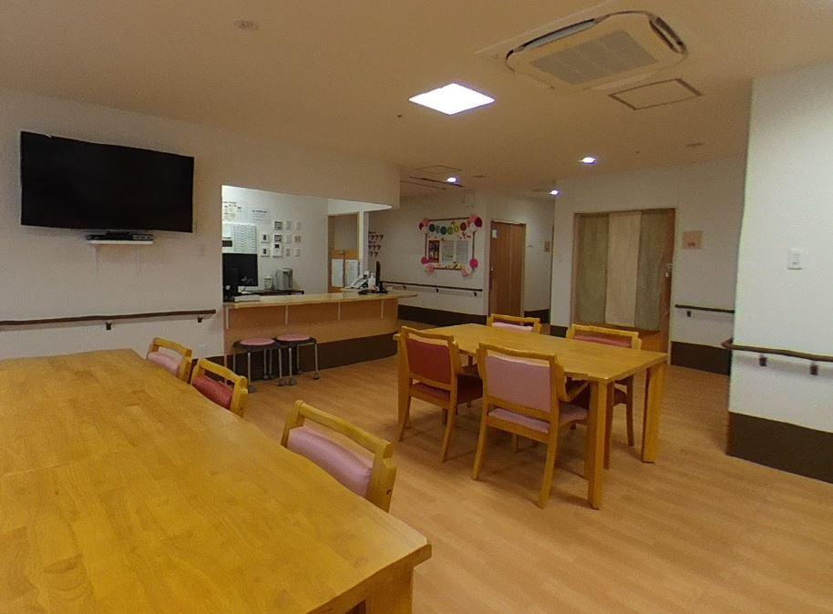 ヒューマンサポート北本(介護付有料老人ホーム)の画像(4)食堂兼機能訓練室
