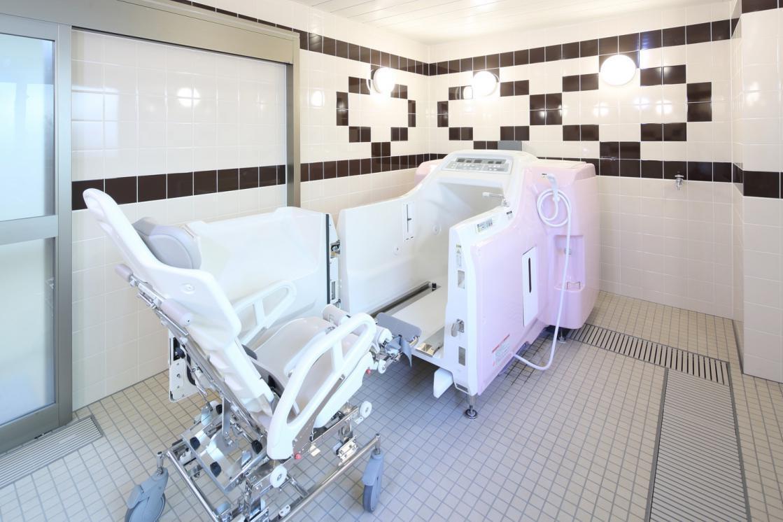 グランダ岡本里安邸(住宅型有料老人ホーム)の画像(9)浴室