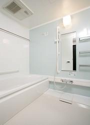 オペラガーデン湘南・二宮(サービス付き高齢者向け住宅)の画像(18)浴室には手すり