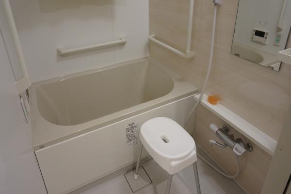 横浜ベイテラス港南中央(サービス付き高齢者向け住宅)の画像(6)浴室