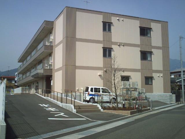 ニチイケアセンター伊勢原(介護付有料老人ホーム)の画像(1)