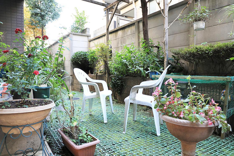 メディカルホームくらら芦花公園(介護付有料老人ホーム(一般型特定施設入居者生活介護))の画像(6)中庭