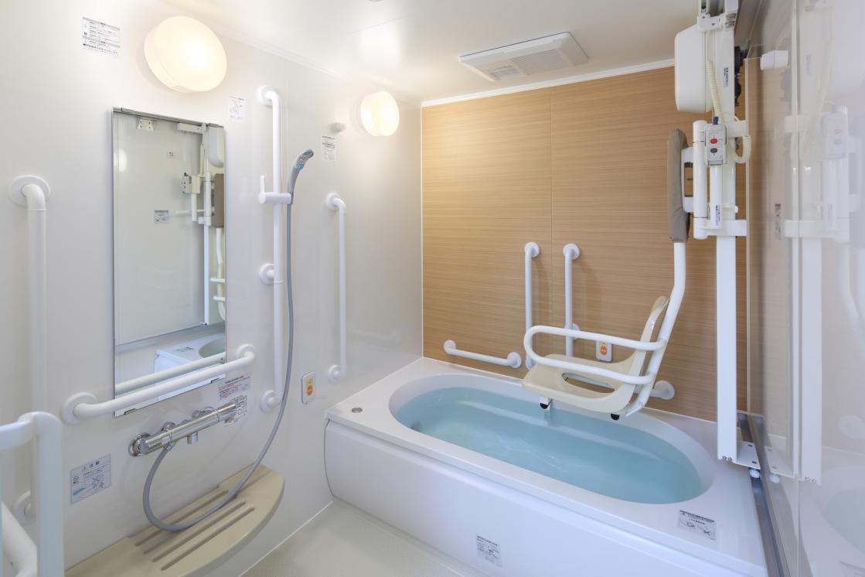 メディカルホームくらら小田急祖師谷(介護付有料老人ホーム(一般型特定施設入居者生活介護))の画像(4)浴室