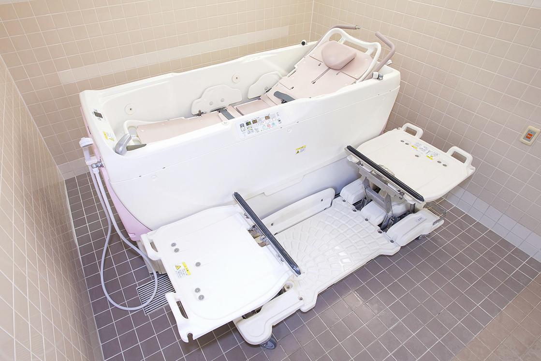 メディカル・リハビリホームくらら二子玉川(介護付有料老人ホーム(一般型特定施設入居者生活介護))の画像(8)1F 浴室