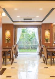 SOMPOケア ラヴィーレ西船橋(介護付有料老人ホーム)の画像(8)食堂