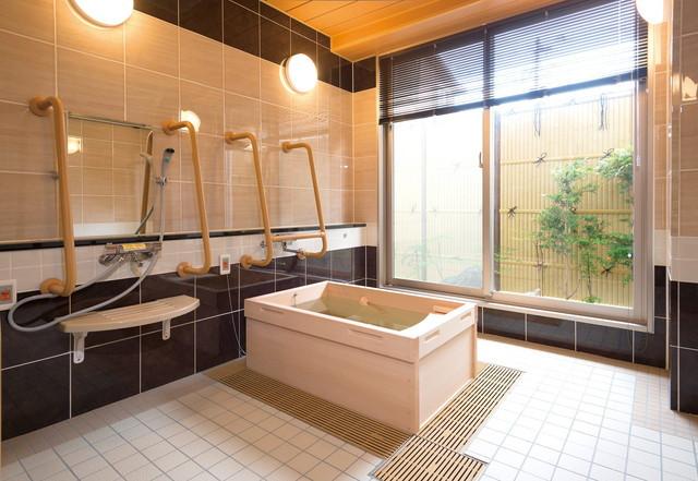 SOMPOケア ラヴィーレ西船橋(介護付有料老人ホーム)の画像(5)浴室