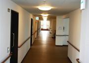 ココファン柏明原(サービス付き高齢者向け住宅)の画像(6)廊下