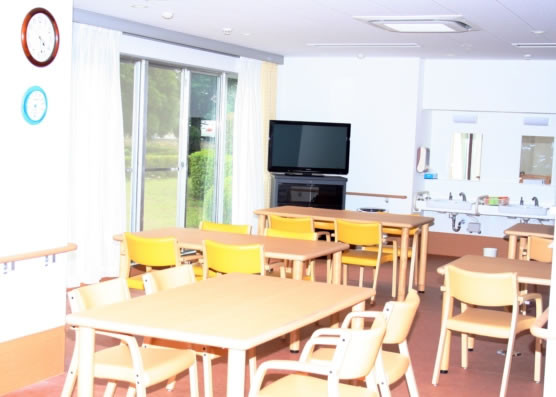 ココファン柏明原(サービス付き高齢者向け住宅)の画像(2)食堂