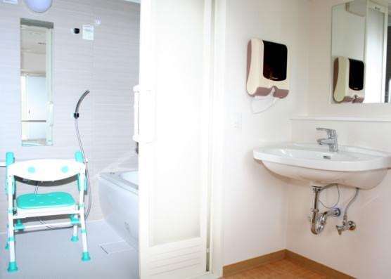 ココファン柏明原(サービス付き高齢者向け住宅)の画像(10)浴室2