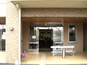 ココファン尾崎台(サービス付き高齢者向け住宅)の画像(6)玄関