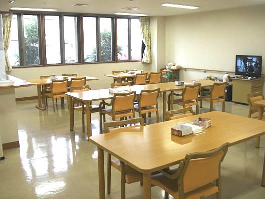 ココファン尾崎台(サービス付き高齢者向け住宅)の画像(2)食堂