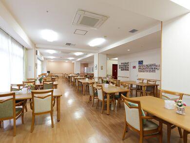 ココファン三郷中央(サービス付き高齢者向け住宅)の画像(6)食堂1