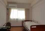 蓮田オークプラザ介護館(介護付有料老人ホーム)の画像(4)居室